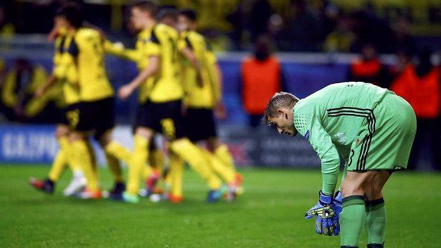 Brankář Legie Varšava Radoslaw Cierzniak poté, co inkasoval od Dortmundu šestou branku.