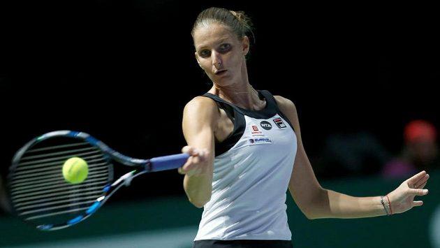 Tenistka Karolína Plíšková v zápase Turnaje mistryň s Ruskou Světlanou Kuzněcovovou.