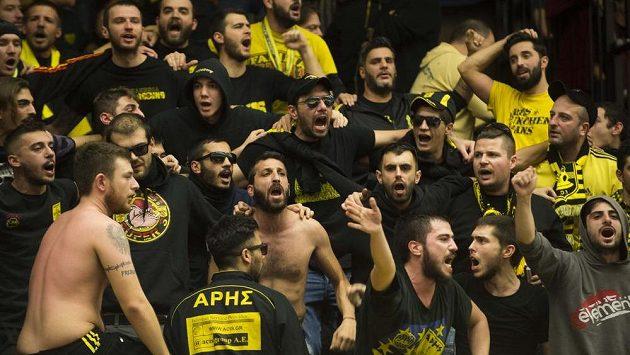 Basketbaloví fanoušci Arisu Soluň.