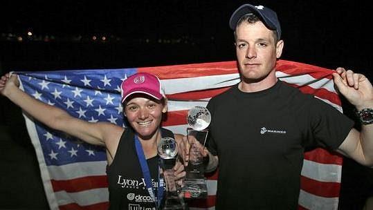 Becca Pizziová a Daniel Cartica uběhli 7 maratónů v 7 dnech na 7 kontinentech. Navíc v rekordních časech.