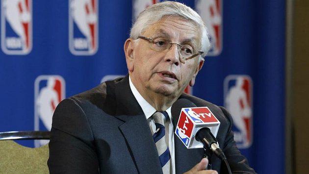 Zemřel dlouholetý šéf NBA David Stern.