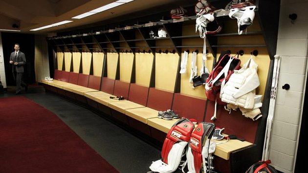 Kabiny zejí prázdnotou při výluce v hokejové NHL