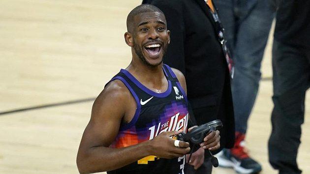 Basketbalista Phoenixu Suns Chris Paul během prvního finále NBA.