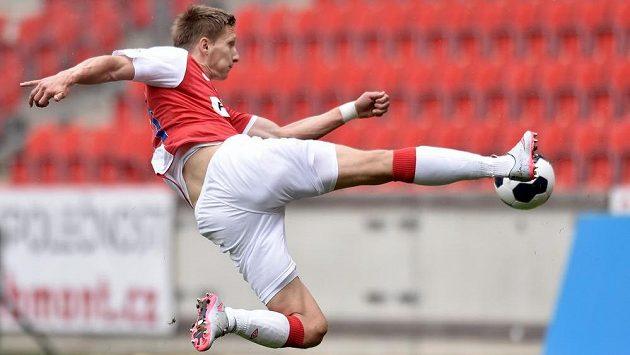 Slávista Milan Škoda při střeleckém pokusu v utkání s Libercem.