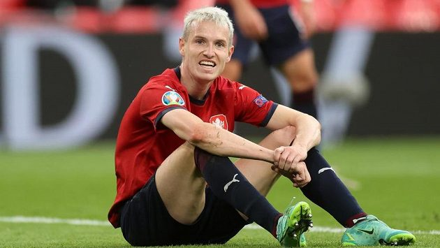 Jakub Jankto při zápase s Anglií.