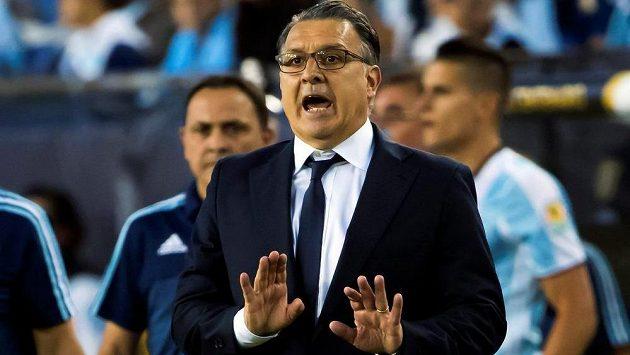 Odcházejícího Gerarda Martina (na snímku) nahradí u argentinské fotbalové reprezentace na OH v Riu trenér Julio Olarticoechea.