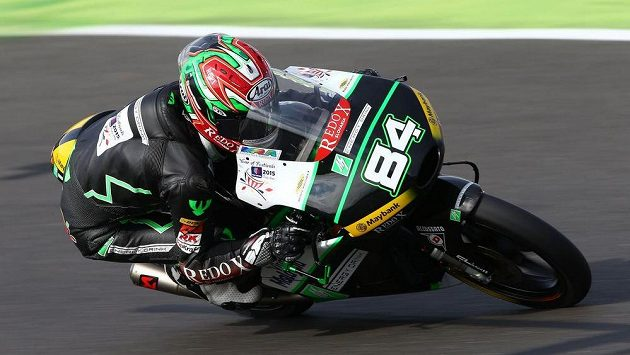 Český závodník Jakub Kornfeil obsadil v Grand Prix Velké Británie druhou příčku v kategorii Moto3.