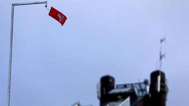 Ukazatel větru na skokanském můstku ve švédském Falunu.