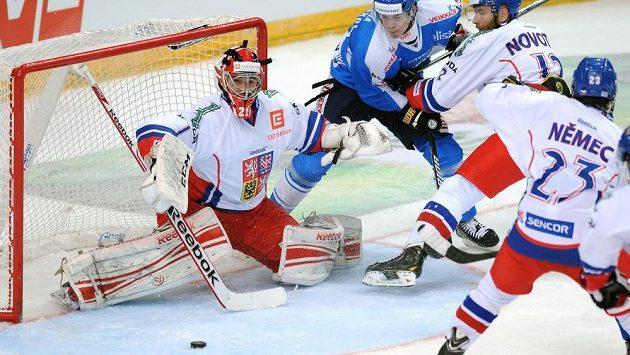 Český brankář Jakub Kovář během utkání Channel One Cupu proti Finsku.
