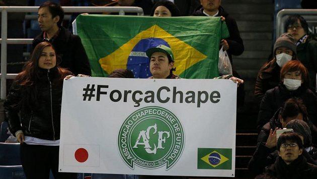 Fotbalové reprezentace Brazílie a Kolumbie sehrají za měsíc benefiční zápas pro brazilský prvoligový klub Chapecoense, který při leteckém neštěstí přišel o většinu hráčů.