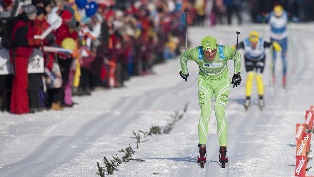 Český běžec na lyžích Stanislav Řezáč (vpředu).