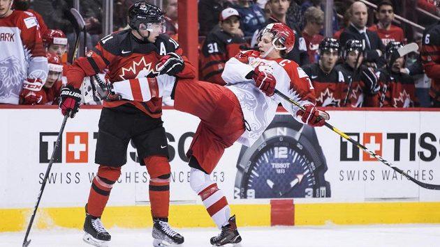 Dánští hokejisté dělali v souboji MS hráčů do 20 let proti Kanadě všechno možné, ale vysoké porážce nezabránili.