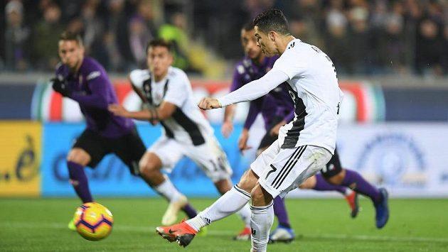 Cristiano Ronaldo se prosadil z pokutového kopu