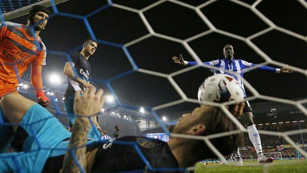 Situace v brance Arsenalu po třetím gólu Sama Hutchinsona (není na snímku).