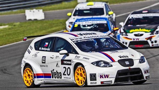 Michal Matějovský si jede pro vítězství v závodě seriálu ETCC.