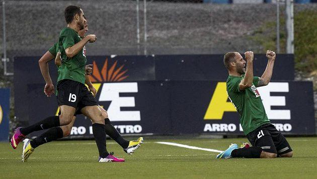 Jablonecký útočník Michal Hubník (vpravo) se raduje ze vstřelení gólu.