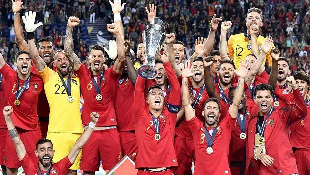 Vítězná euforie Portugalců po finále Ligy národů s Nizozemskem.
