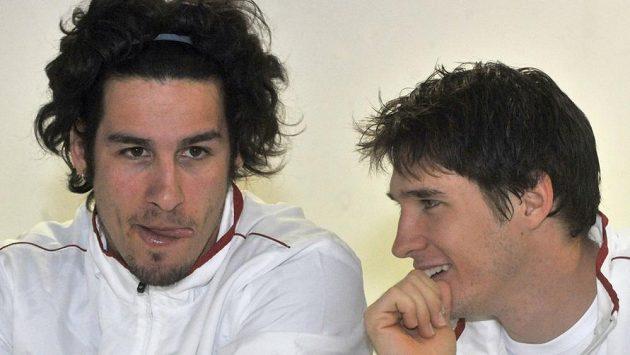 Tenista Dušan Lajovič (vpravo) nahradil v srbské nominaci Janka Tipsareviče.