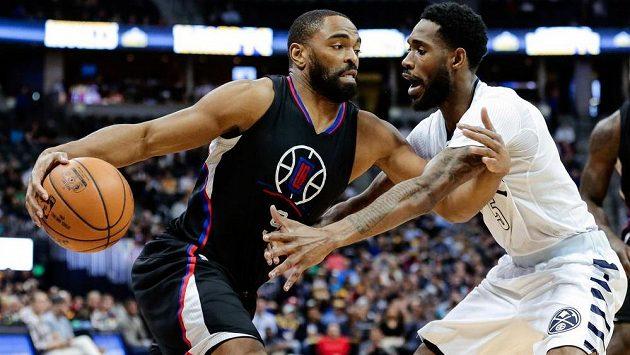 Basketbalisté Los Angeles Clippers prohráli v NBA na palubovce Denveru Nuggets po přestřelce 114:129.