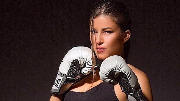 Kráska ve světě bojových sportů - Denisa Gudelj - půjde v Lucerně opět do akce.