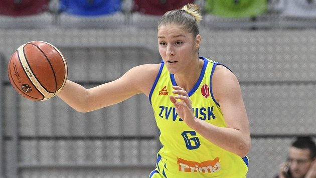 Karolína Elhotová z USK Praha v akci během utkání Evropské ligy.