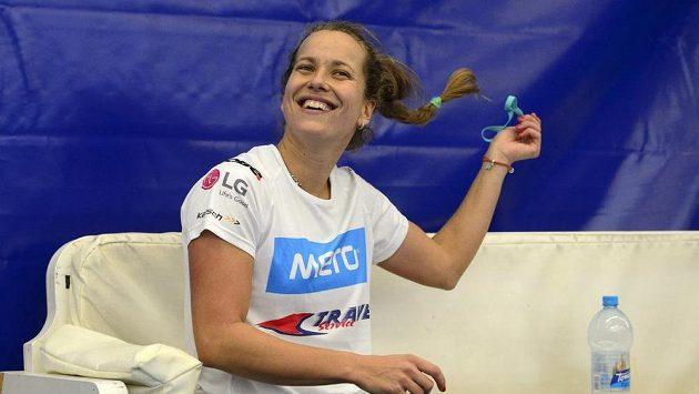 Barbora Strýcová během tréninku před finále Fed Cupu s Ruskem.