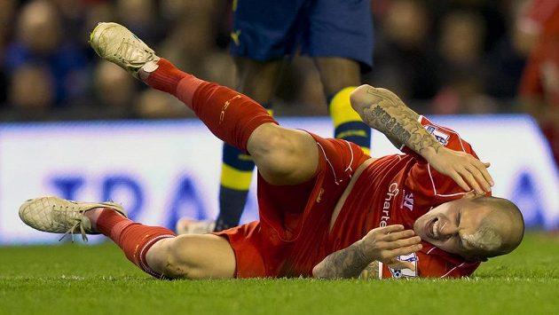Martin Škrtel po nešťastném zákroku Oliviera Girouda z Arsenalu.