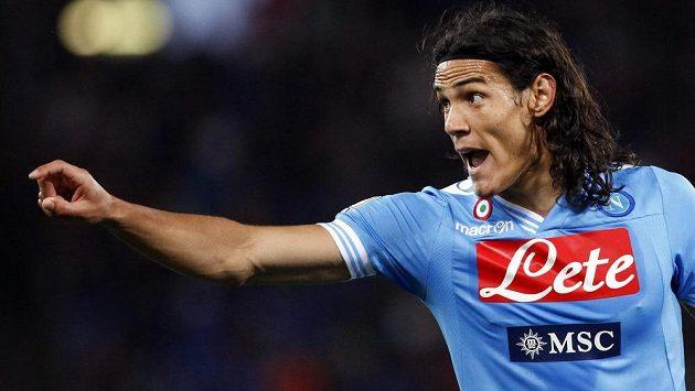 Útočník Neapole Edinson Cavani by mohl zamířit do Manchesteru City místo Edina Džeka.