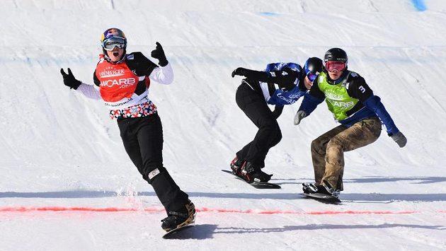 Olympijská vítězka Eva Samková (vlevo).