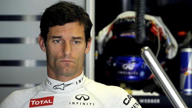 Jezdec stáje Red Bull Mark Webber při Velké ceně Maďarska.