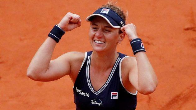 Argentinská tenistka Nadia Podoroská porazila na Roland Garros 6:2, 6:4 třetí nasazenou Elinu Svitolinovou a z kvalifikace postoupila do semifinále.