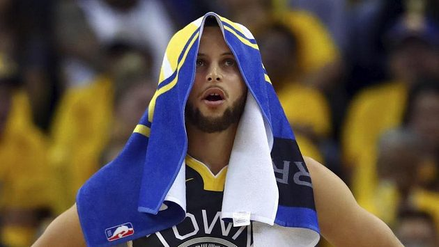 Basketbalista Golden State Warriors Stephen Curry během druhého utkání proti New Orleans Pelicans.