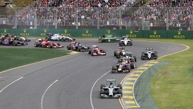 """První závod """"nové"""" formule 1 v Austrálii řada fandů kritizovala."""