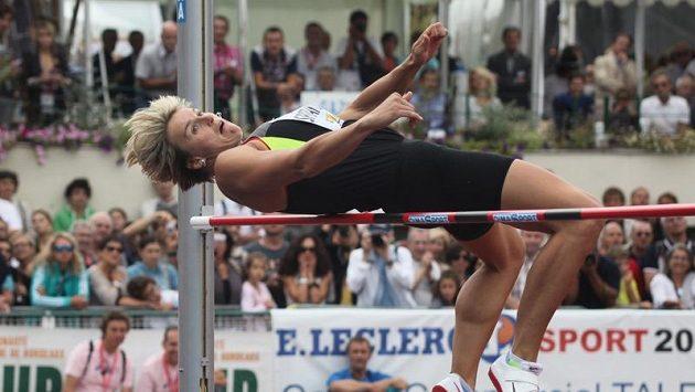 Barbora Špotáková na výšce během sedmiboje