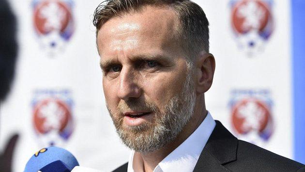 Bývalý fotbalový záložník Karel Poborský nabídku na pozici asistenta reprezentačního kouče odmítl