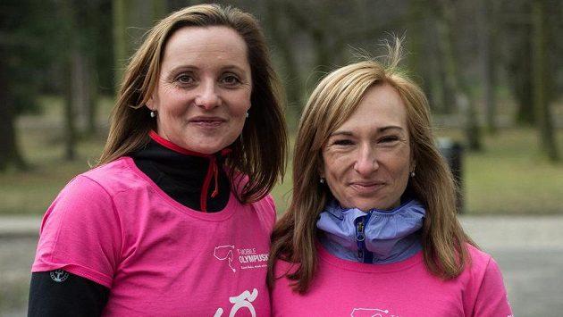 Bývalá atletka Ludmila Formanová (vlevo) a (bývalá) běžkyně na lyžích Eva Vrabcová - Nývltová.