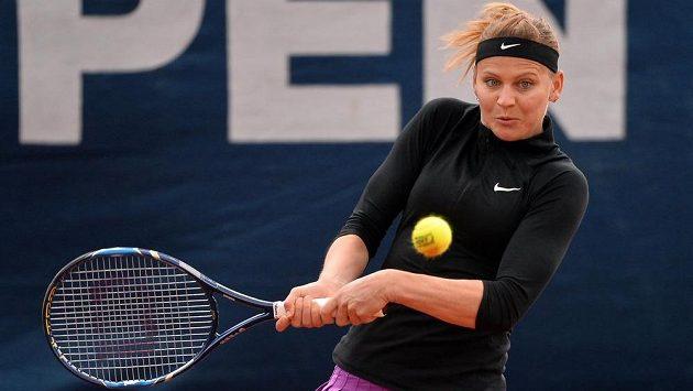 Lucie Šafářová v utkání s Lucií Hradeckou.