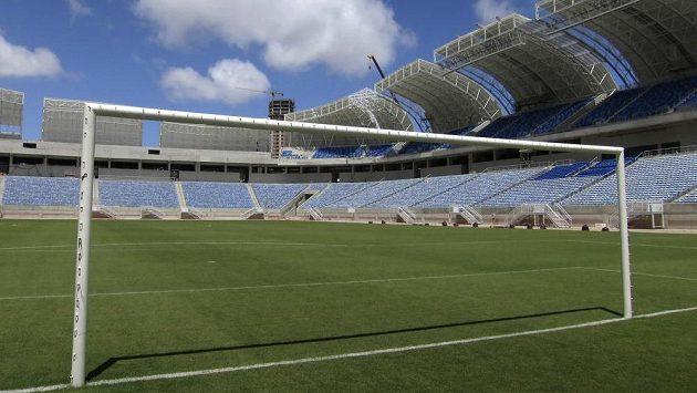Jeden z nových stadiónů pro fotbalové MS v Brazílii - Arena Das Dunas v Natalu.