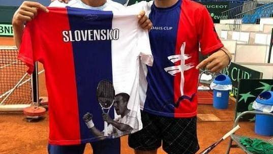 Takhle vypadají slovenské dresy pro DC.
