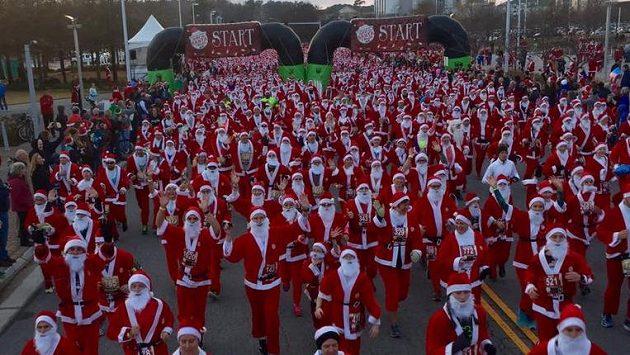 Tolik tlustých pánů v červeném jste ještě pohromadě neviděli!