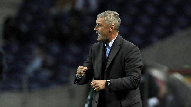 Trenér Eintrachtu Frankfurt Armin Veh.