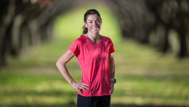 Kelly-Ann Varey z Austrálie. Máma a běžkyně v jedné osobě. A je šťastná.