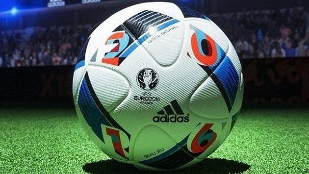 Míč Krásná hra (v originále Beau Jeu) pro EURO 2016.