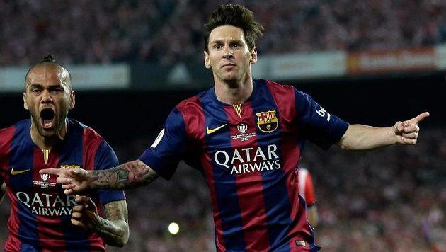 Barcelonský Lionel Messi slaví gól ve finále Španělského poháru.