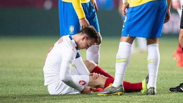 Zraněný Vladimír Darida utkání s Brazílií nedohrál.