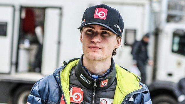 Norský skokan na lyžích Daniel-André Tande se pět měsíců po hrozivém pádu v Planici vrátil k tréninku na můstku.