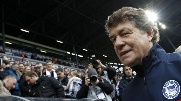 Otto Rehhagel se po dvanácti letech vrátil do bundesligy. Hertha poprvé pod jeho vedením prohrála 0:3.