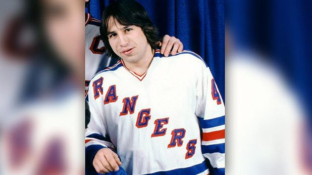Mark Pavelich v dobách, kdy hrával za New York Rangers.
