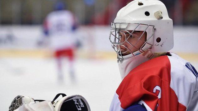 Brankář Lukáš Pařík jako první český hokejista prošel letošním draftem NHL. Ve třetím kole si ho vybralo na 87. pozici Los Angeles.