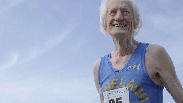 Úsměv na tváři. Ed Whitlock má důvod, v 85 letech bourá světové rekordy.